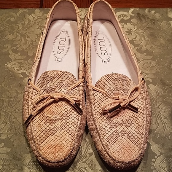 5f44d341c2e TOD S Gommino Python Loafers. M 5bb95cd38ad2f99873431285